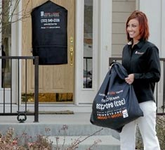 Door-to-Door Dry Cleaning a franchise opportunity from Franchise Genius